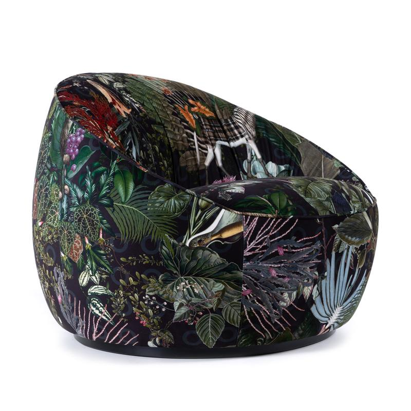 Moooi-Hana-Low-Back-Armchair-Menagerie-Side_800x